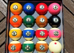 Aramith TV Tournament Pool Balls (1)